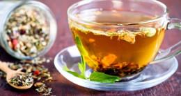 Bitki çaylarıyla ilaç tüketimine dikkat!